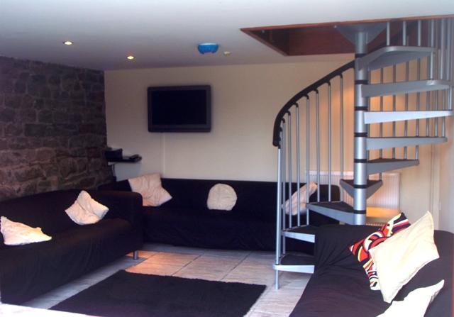 Cheap Dog Friendly Accommodation South Wales